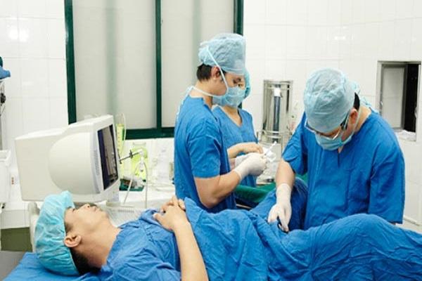 Khắc phục hiếm muộn ở nam giới bằng phẫu thuật